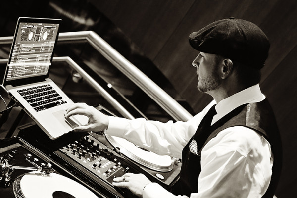 Nick Scott - Charleston WV Wedding DJ