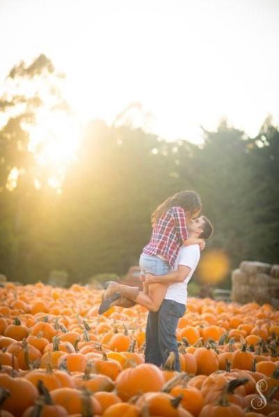 pumpkin patch photo ideas - 10 Fun Fall Engagement Ideas You'll Love